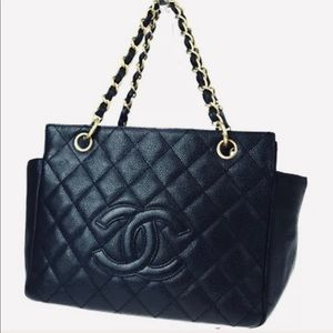 CHANEL Quilted Caviar GST Maxi Jumbo XL Tote